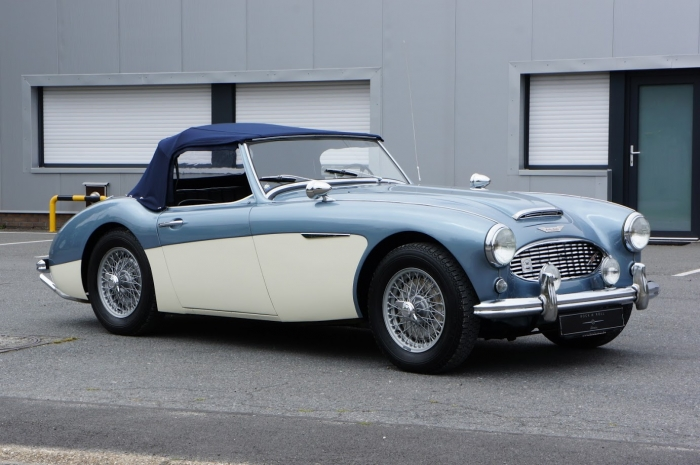 TOO LATE '57 Austin-Healey 100/6 BN4 comes with super-rare hardtop!