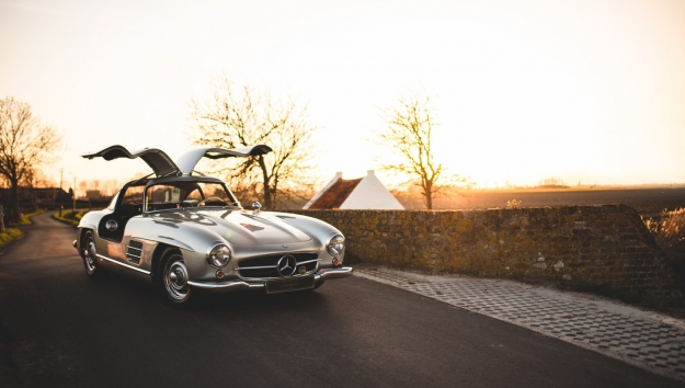 Too late '55 Mercedes-Benz 300SL