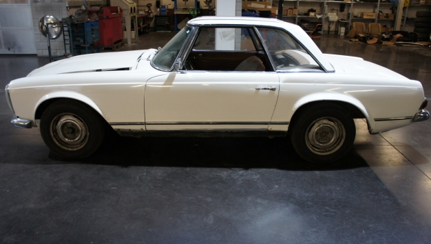 SOLD '70 Mercedes-Benz 230SL -